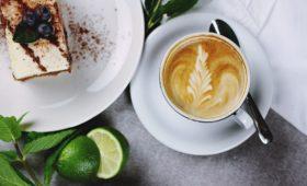 Otrzymaj kawę i ciastko od Tchibo za darmo